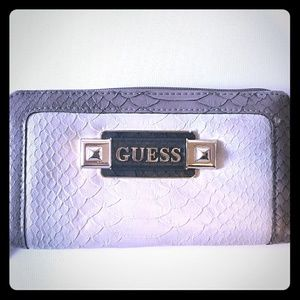 Guess accordion wallet